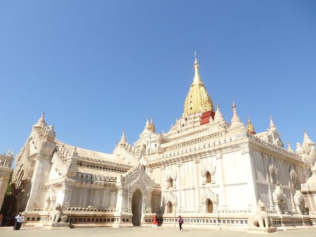 アーナンダー寺院