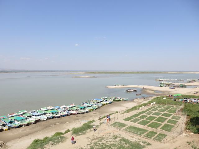 ブーパヤーから眺めるエーヤワディー川