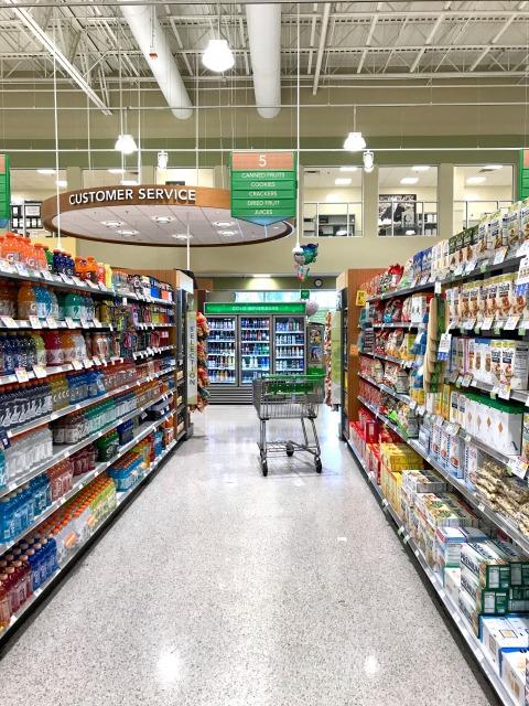 スーパーマーケット内部の様子