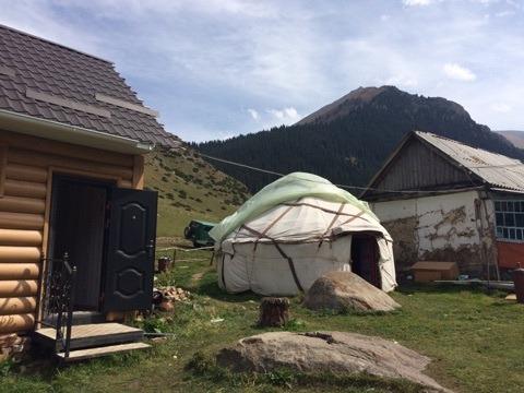 山の宿泊所