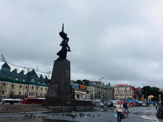 ウラジオストク駅の駅前