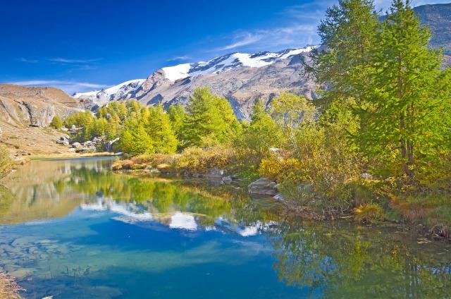 秋のスイスアルプス
