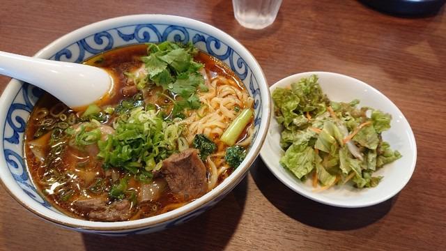 台湾定番の牛肉麺