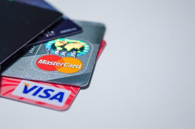 クレジットカードは特に注意