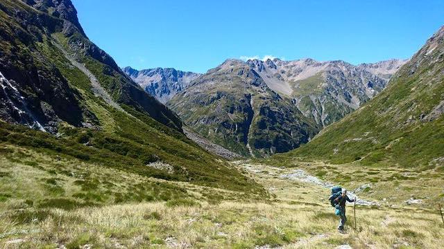 ハイキングに出かけよう