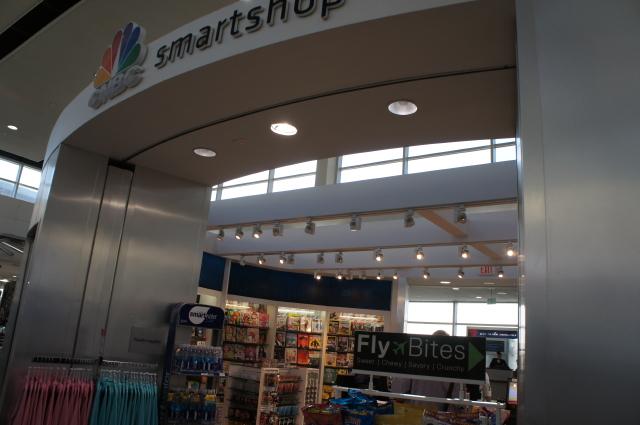 デトロイト空港ショッピング