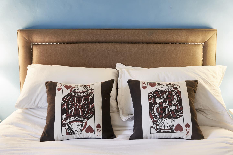 bed headboard and cushions