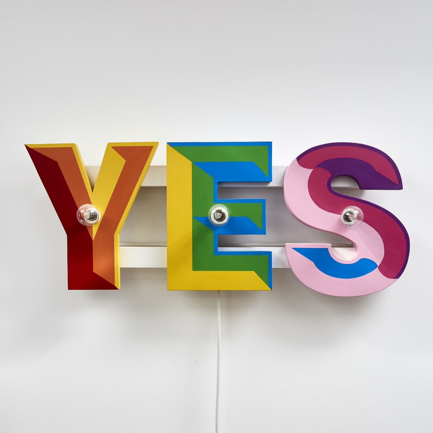 Lights that spell out 'yes'