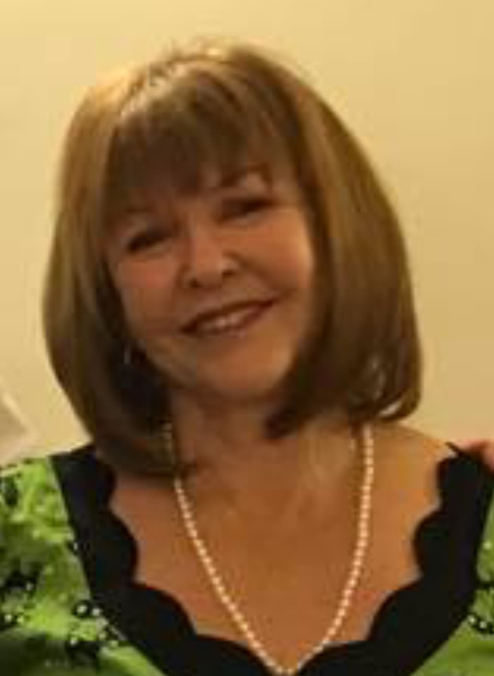 Caring, kind and loving pet/house sitter originally from Woomera SA and willing to travel for the right home.