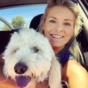 Craigie Dog Lover! Active dog sitter, large enclosed backyard!