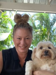 Kind and loving pet sitter, reliable and professional and clean.