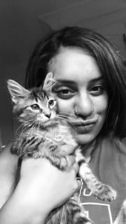 Friendly Animal Loving Pet Sitter ♥️?