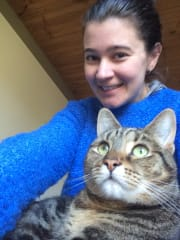 Experienced Cat Sitter, Lots of Cuddles to Give, Animal Lover