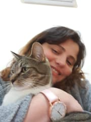 I am reliable, caring and sensitive pet sitter.