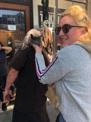 Animal fanatic! Caring, Bubbly, loving and happy :)