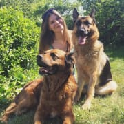Really caring and experienced pet sitter, loving animals!