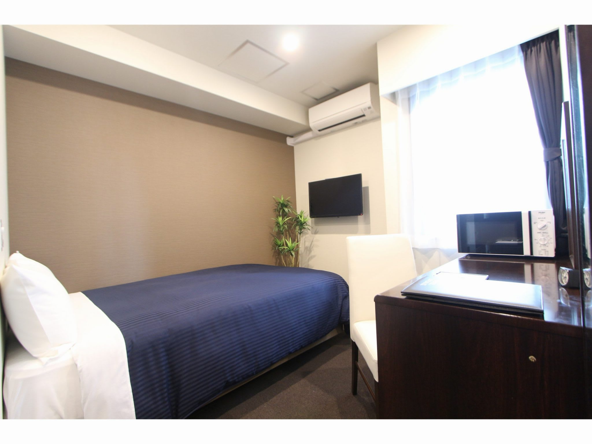 About the Type of Guest Room and Facility of「Hotel Livemax Higashi Ginza」