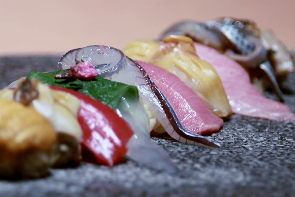 Let's eat Omakase (Chef's choice) nigiri course
