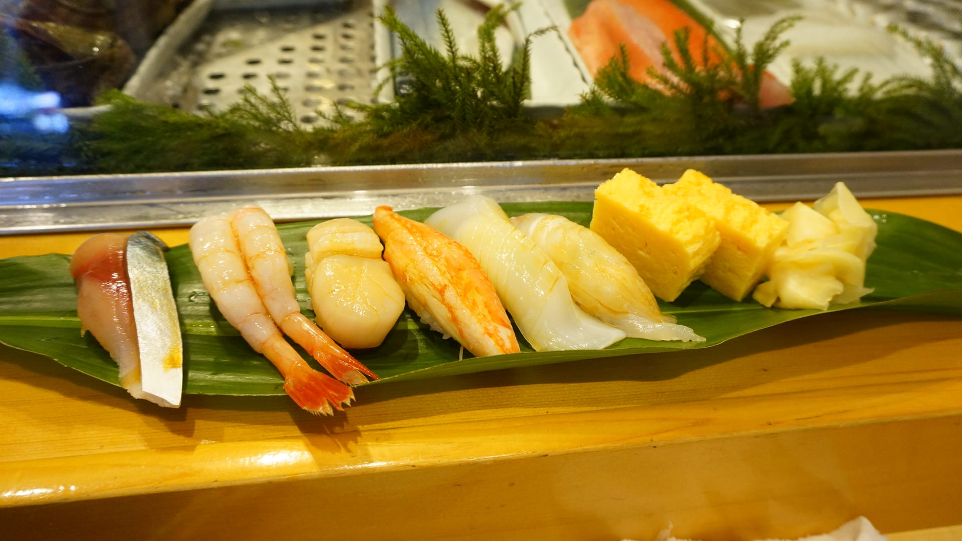 90 Years History. Low Price and Delicious secret Suchi Spot - Sushi Dokoro Yamazaki