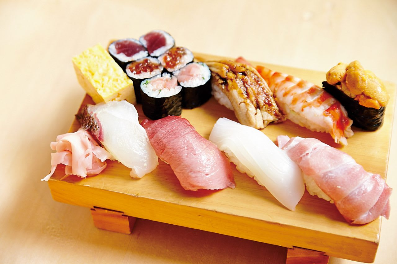The Top 2 of Edomae Sushi in Tsukiji - The Absolute Confidence for Sushi Topping - Daiwa Shushi