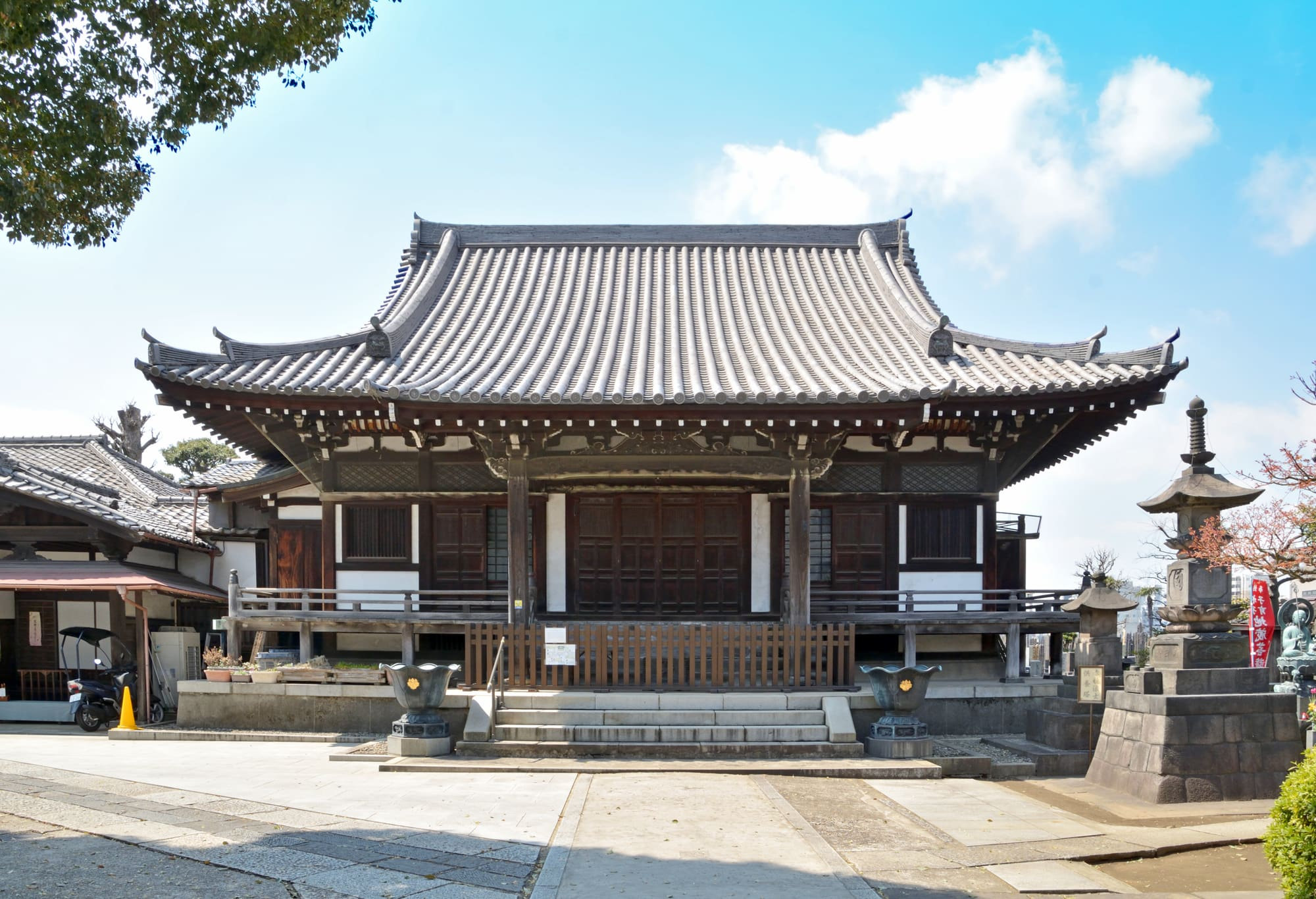 "About ""Kan-non-ji"" Temple"