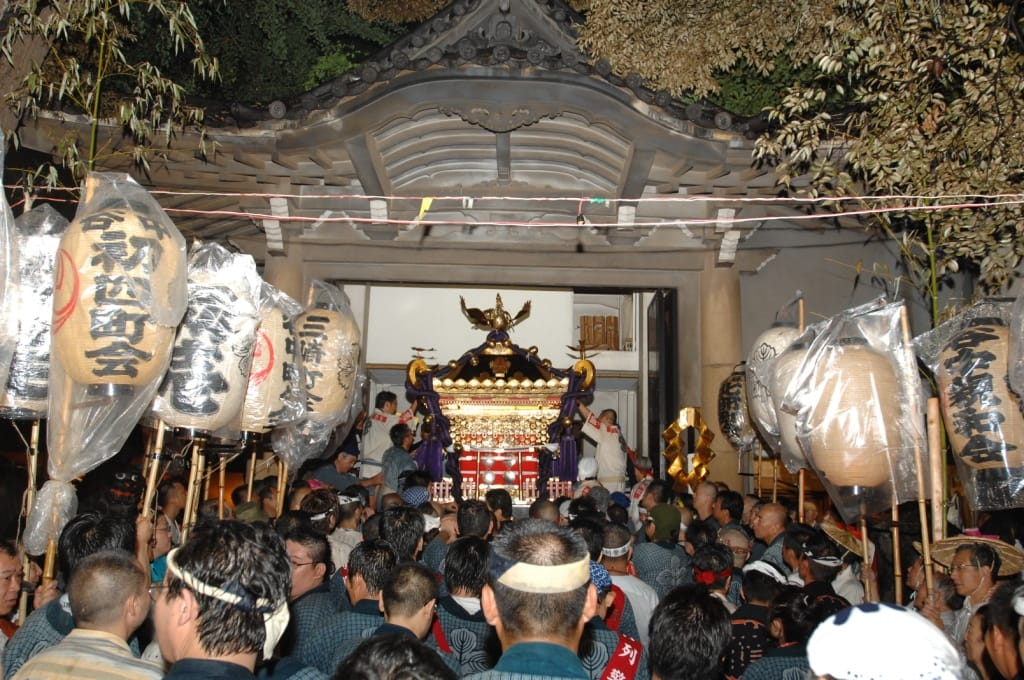 """Suwa"" Shrin – a shrine for locals"