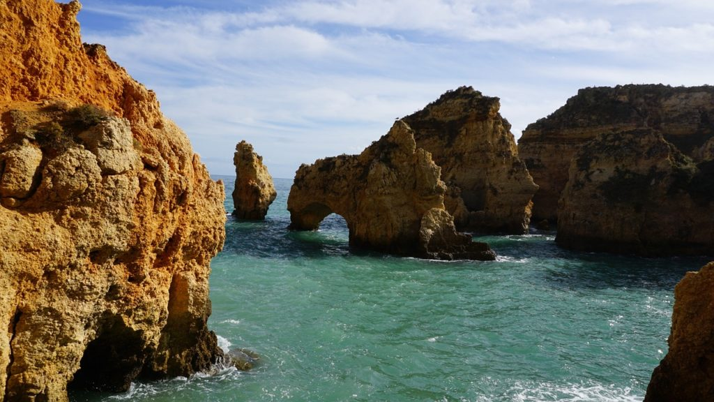 The beaches of Faro and Algarve (image published via Pixabay)
