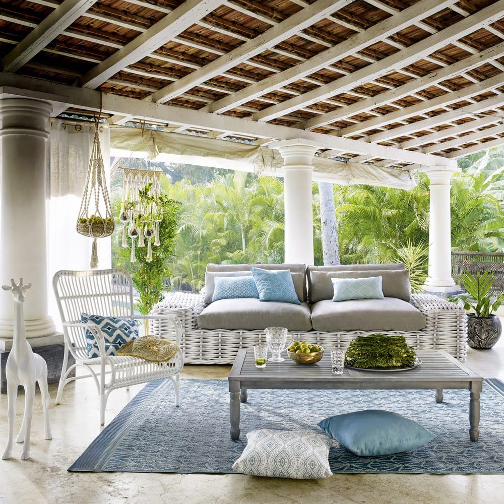 table basse de jardin en acacia grise l 140 cm chypre maisons du monde. Black Bedroom Furniture Sets. Home Design Ideas