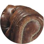 Bruinleren gestoffeerde Chesterfield fauteuil