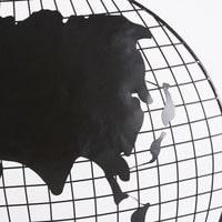 2 globos terráqueos decorativos de pared de metal negro Explorer