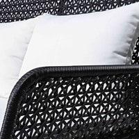 Gartenbank 3-Sitzer aus geflochtenem Kunstharz in Schwarz mit weißen Kissen Cuzco