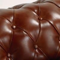 Gestepptes ausziehbares -Sofa 3-Sitzer aus Leder, braun Chesterfield