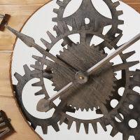 Wanduhr mit Räderwerk aus Tannenholz und schwarzem Metall Scott