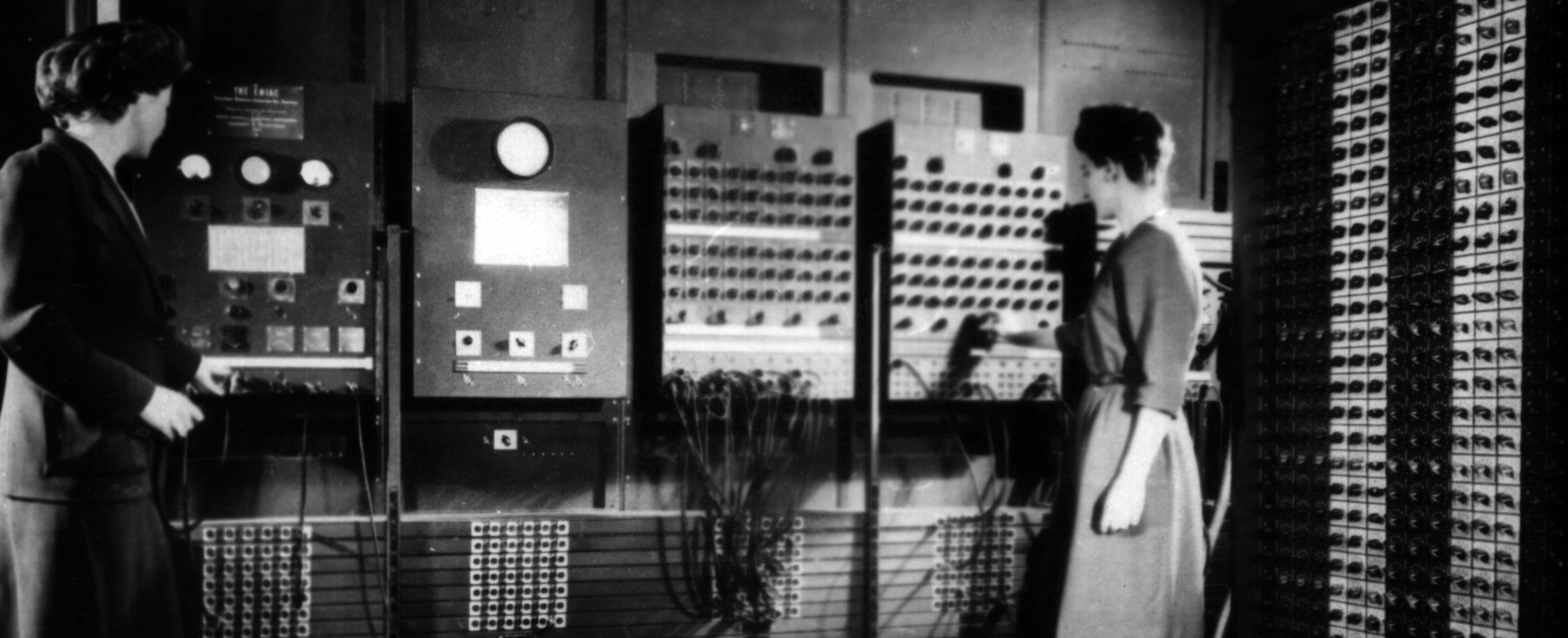 Eniac programmers Betty Jennings (Left) and Frances Bilas (Right) | US Army Photo