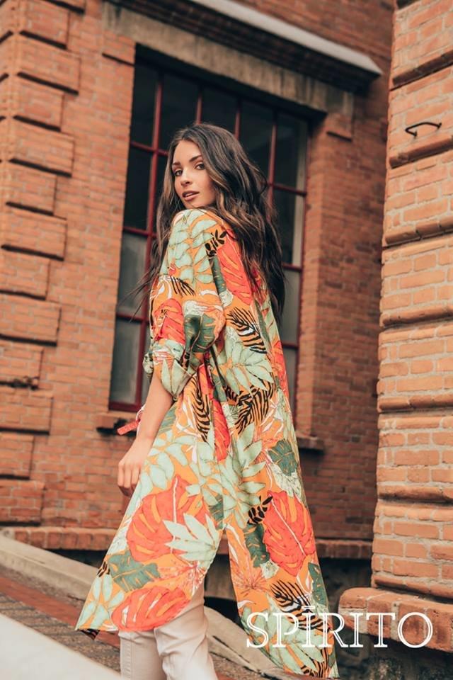 Model: Julia Hoffman Brand: SpíritoSpírito es una marca que brinda a la mujer múltiples propuestas en su outfit de todos los días, las prendas son pensadas para la mujer que trasmite vitalidad en todo lugar, que le gusta divertirse con la moda y no teme ser el centro de atracción del lugar a d