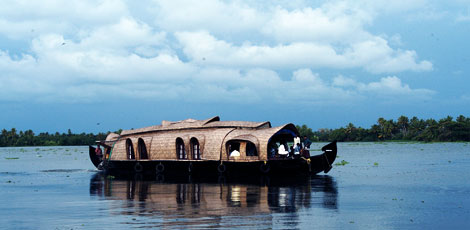 houseboat_in_kerala_alt