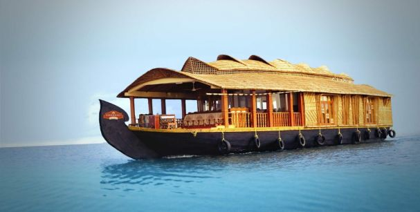 houseboat_in_goa_alt