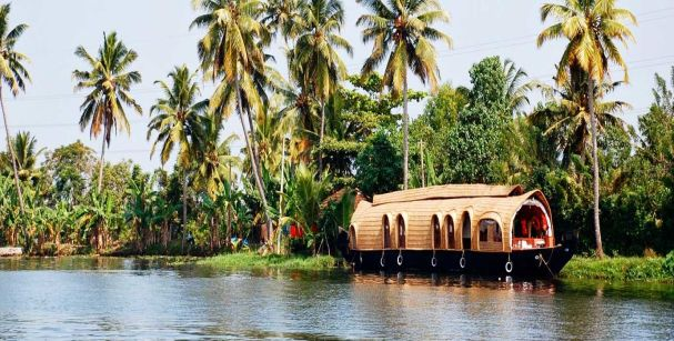kollam_backwaters_alt