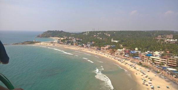 kovalam_beach_in_kerala_alt