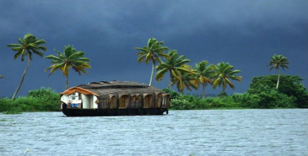 alleppey_backwaters_alt