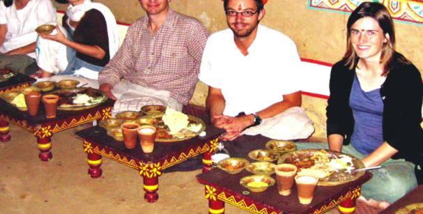Dine at chokhi dhani_alt
