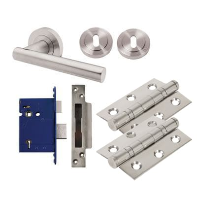 Touchpoint Bella Lever Door Handle on Rose Kit - BS3621 5 Lever Sashlock - Satin Chrome