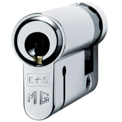 Eurospec MP15 - Euro Single Cylinder - 35 + 10mm - Polished Chrome  - Keyed to Differ