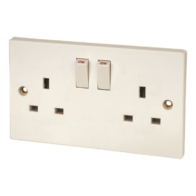 Contactum 13A 2 Gang Switched Single Pole Socket - White - Pack of 5