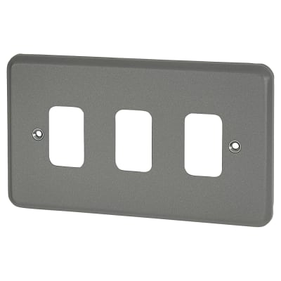 MK 3 Gang Metalclad Grid Front Plate - Grey