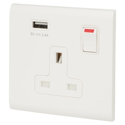 MK Essentials 13A 1 Gang Double Pole Switched Socket With 2.4A USB OUTLET - White