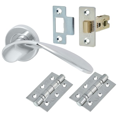 M Marcus Volo Lever Door Handle on Rose - Door Kit - Polished Chrome