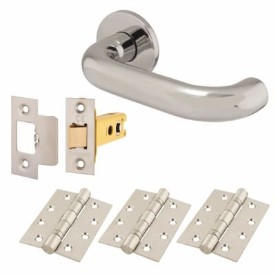 Altro 22mm Return to Door Lever Handle on Rose - Door Kit - 304 Polished Stainless Steel