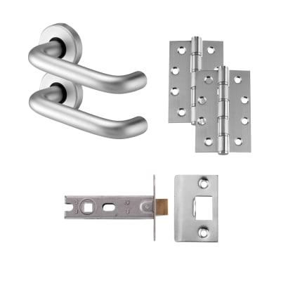 Lever Door Handle on Rose Kit - Latch - Aluminium