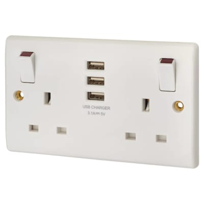 BG 13A 2 Gang Switched Socket with 3 x USB - 3.1A - White